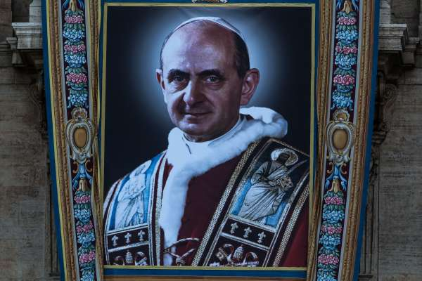 Canonization banner of Paul VI hangs in St. Peter's Square ahead of his Oct. 14 canonization.