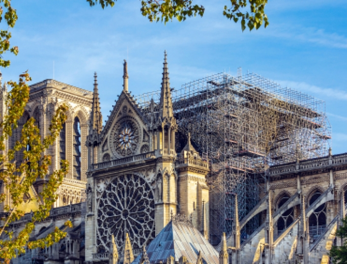 On April 15, 2019, a violent fire destroyed the spire and the entire roof of Notre-Dame Cathedral. In the picture, the roof and the arrow are absent.