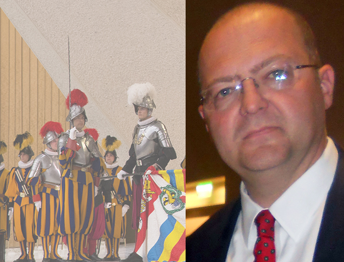 Mario Enzler (R) with the 2013 Swiss guard swearing-in ceremony at the Paul VI Audience Hall.