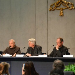 Father Giovangiuseppe Califano (l) and  Msgr. Slawomir Oder (r) with Vatican spokesman Father Federico Lombardi at the Holy See Press Office on April 22.