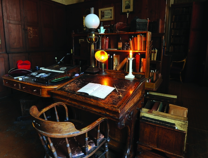 The Birmingham Oratory is home to Cardinal John Henry Newman's private study, which showcases manuscripts ranging from his autobiography to other works.