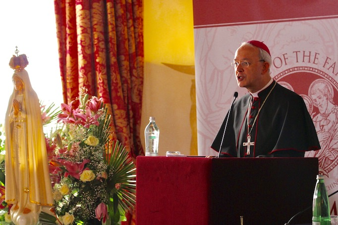 Bishop Athanasius Schneider addresses the Rome Life Forum, May 19, 2017.