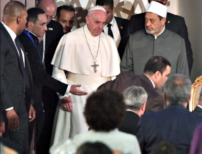 Pope Francis and Grand Imam Sheikh Ahmed Mohamed el-Tayyib in Egypt April 28. (L'Osservatore Romano)