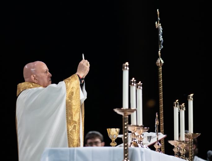 Denver Archbishop Samuel Aquila celebrates Mass at SLS20 in Phoenix.