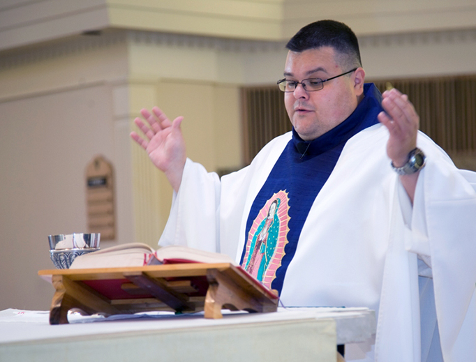 Fr. Raul Lemus offers Mass