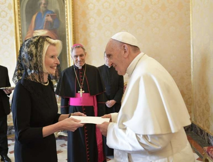 US Ambassador to the Holy See Callista Gingrich with Pope Francis.