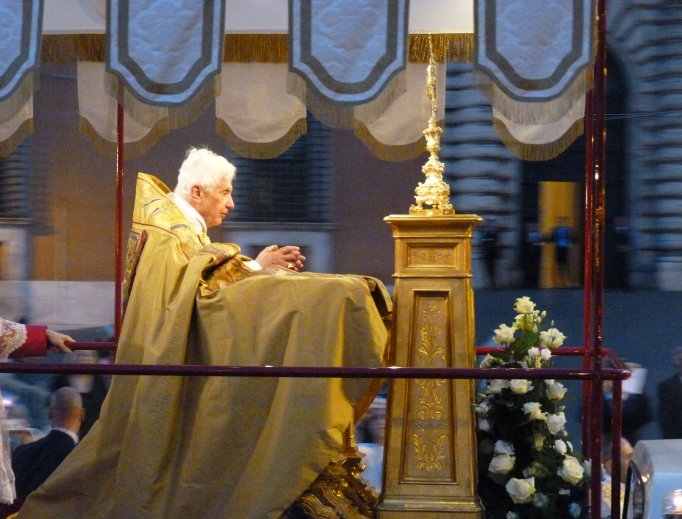 Pope Benedict prays before the Blessed Sacrament during the Corpus Christi procession in Rome June 7, 2012.