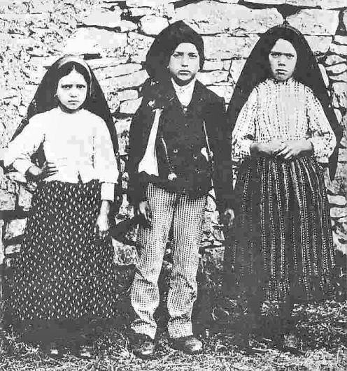 """On May 13, 1917, the three """"little shepherds"""" received a powerful revelation from Our Lady of Fatima. Here are 9 things to know and share with friends..."""