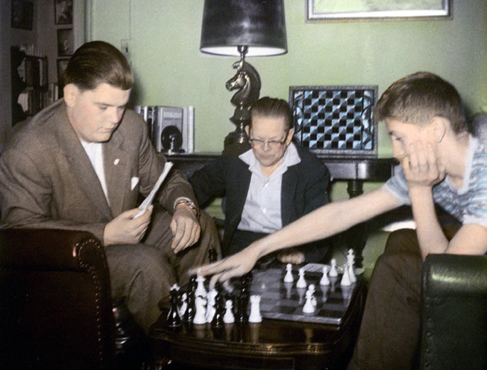 American chess masters Jack Collins with Bill Lombardy (L) and Bobby Fischer (R) in Jan. 1968