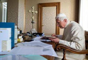 Benedict XVI has just weighed in on the proposal to give Communion to divorced and civilly remarried Catholics