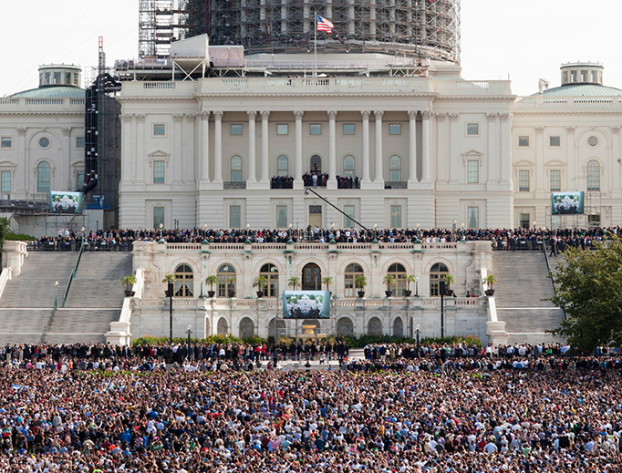 Pope Francis addresses a crowd at the U.S. Capitol on September 24, 2015.