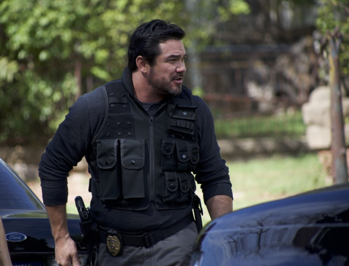 Dean Cain portrays a police detective in Gosnell.
