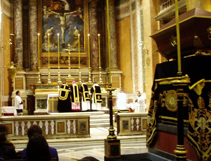 A Pontifical Requiem Mass is offered at Santissima Trinità dei Pellegrini in Rome.