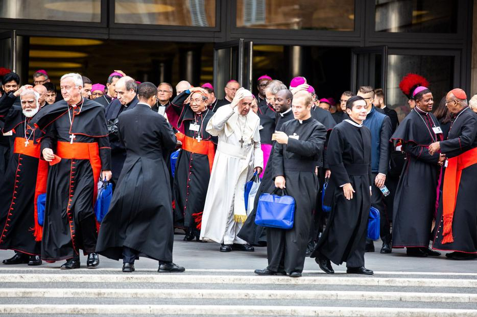 Pope Francis and synod fathers on the final day of the Youth Synod, Oct. 27, 2018.