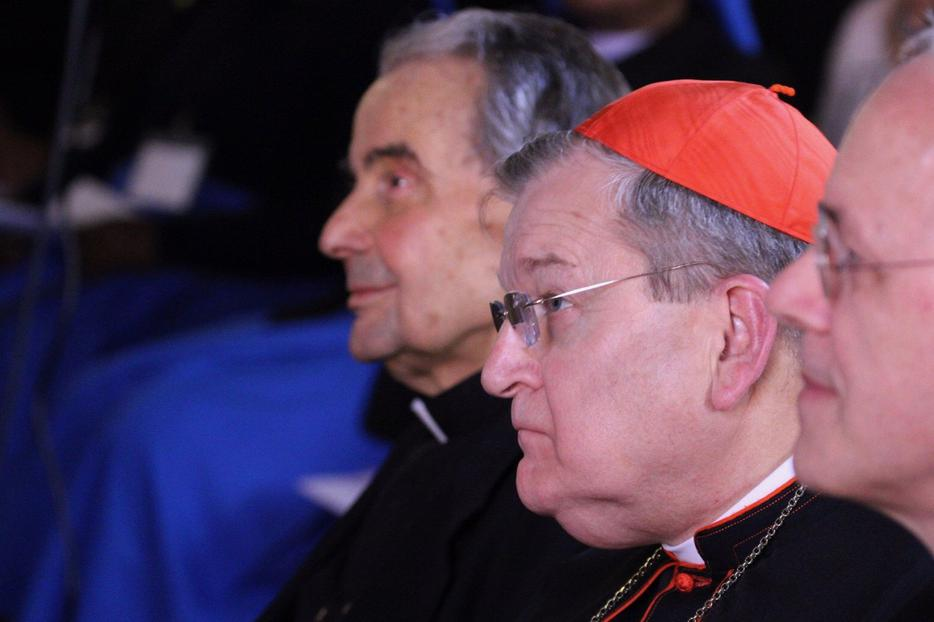 Cardinal Raymond Burke (right) seated next to Cardinal Carlo Caffarra at the Rome Life Forum, May 19, 2017.