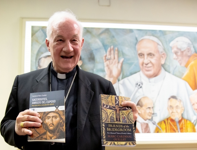 Cardinal Marc Ouellet presents his book Friends of the Bridegroom at an Oct. 2 event.