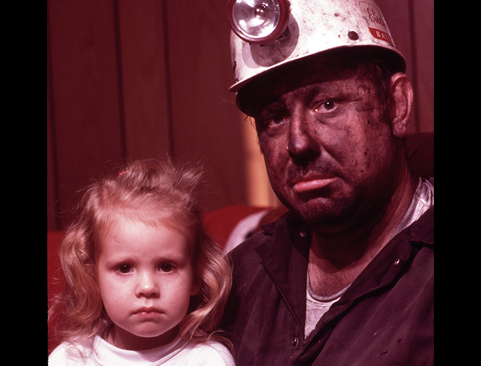 Tennessee miner Wayne Gipson with his 3-year-old daughter Tabitha