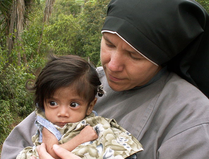 Sr. Clare Matthiass at a mountain village in Honduras (Franciscan Sisters of the Renewal).
