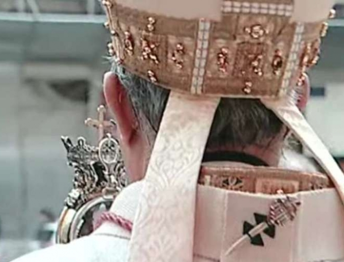 The Archbishop of Naples blesses the city with St. Januarius' liquefied blood.