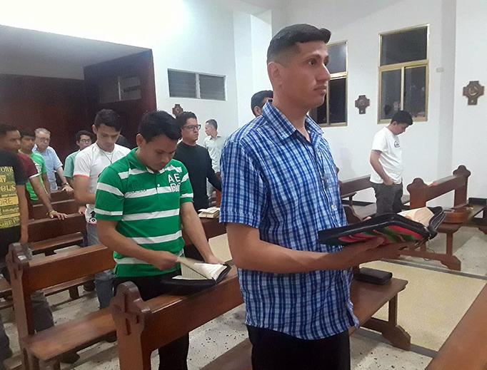 Seminarians at Buen Pastor seminary in Ciudad Bolívar, Venezuela, pray Vespers