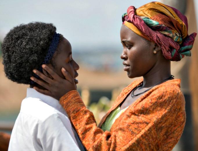 Newcomer Madina Nalwanga (l) and Lupita Nyong'o ('12 Years a Slave') star in 'Queen of Katbe.'