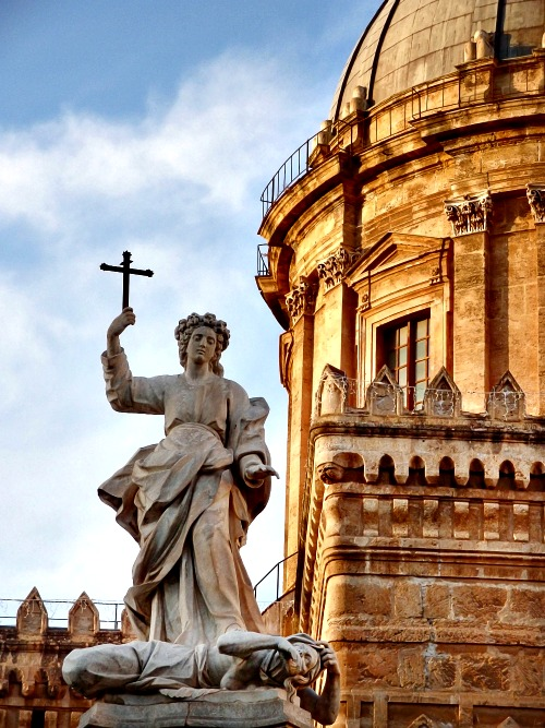Statue at the Metropolitan Cathedral of the Assumption of Virgin Mary, Palermo, Sicily.