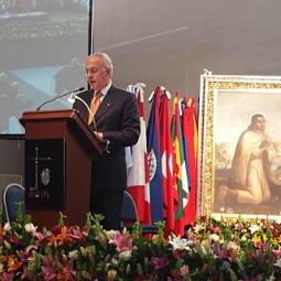 Carl Anderson speaks Nov. 17 at the Basilica of Our Lady of Guadalupe in Mexico City.