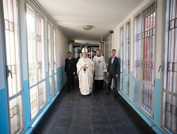 Pope Francis arrives at Rebibbia Prison off of the Via Tiburtina in Rome on April 2, 2015.