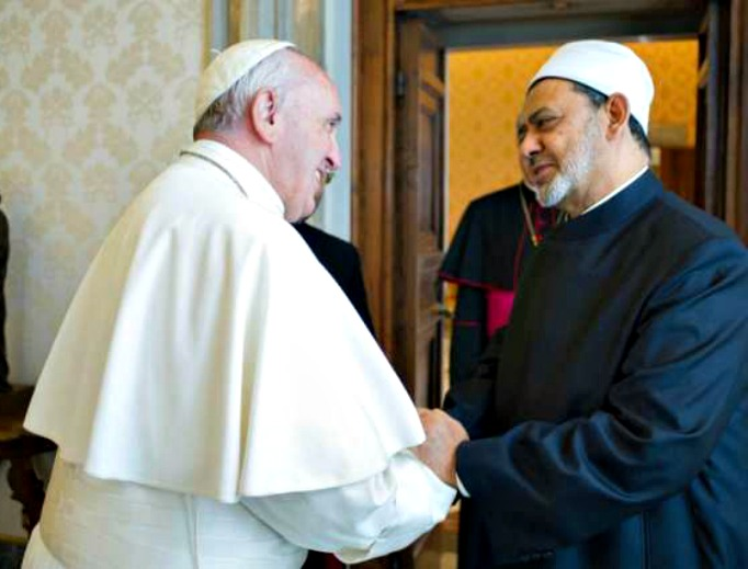 Pope Francis meets with the grand imam Sheikh Ahmed Muhammad Al-Tayyib at the Vatican May 23.