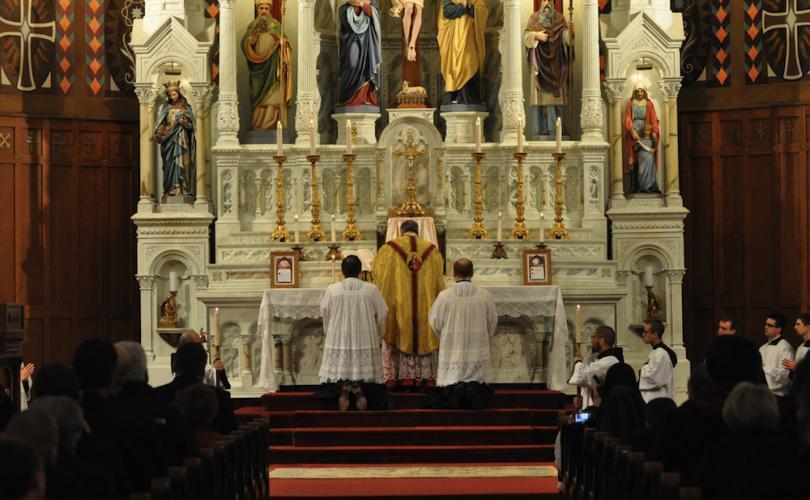 Traditional Latin Mass with Raymond Cardinal Burke