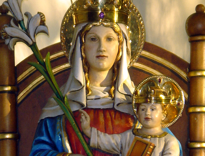 he statue of Our Lady of Walsingham, the Slipper Chapel, Walsingham, Norfolk, England.