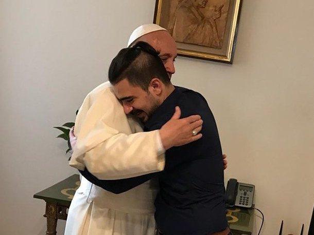 Safa Al Alqoshy, also known as Safa Al Abbia, embracing Pope Francis at the Vatican.