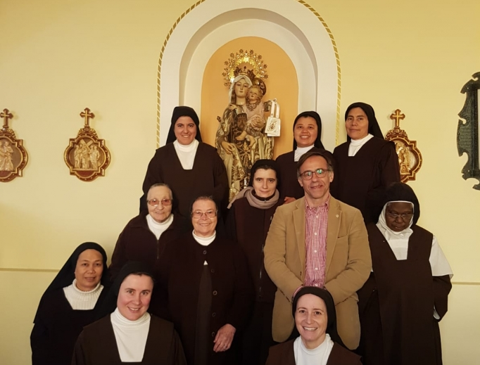 Antonio Irastorza is blessed by the prayers of the good sisters, whom he visits when he can. Many people as far away as London rely on the prayers of these Carmelites.