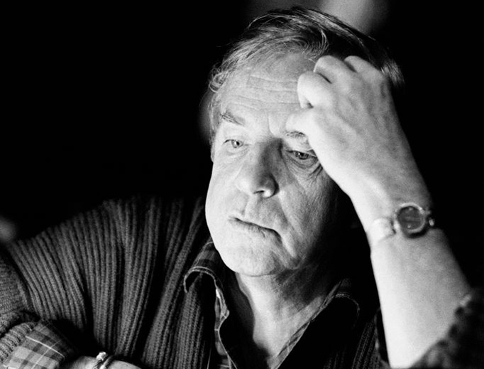 Italian director Franco Zeffirelli pauses during the rehearsal of La Traviata at the Paris Opera Jan. 19, 1986.