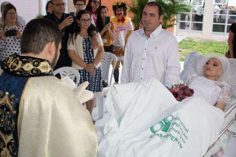 The sacramental marriage of Jéssica and Fernando