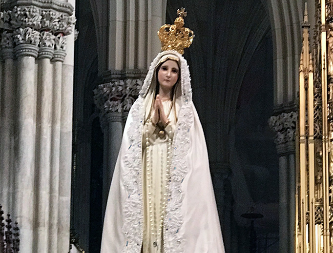 Official International Pilgrim Virgin Statue carved in Fatima