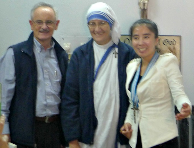 Father John Worthley, Sister Mary Prema, the Missionaries of Charity's superior general, and Mother Teresa China Charity founder Li Baofu are pictured in Kolkata in 2014 at a center founded by Mother Teresa.