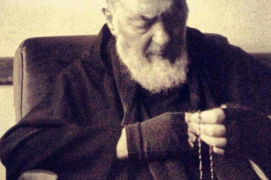 Padre Pio in Prayer