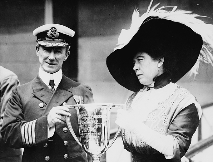 Molly Brown presents an award to Capt. Arthur Henry Rostron of the Carpathia for his participation in the rescue of Titanic survivors.
