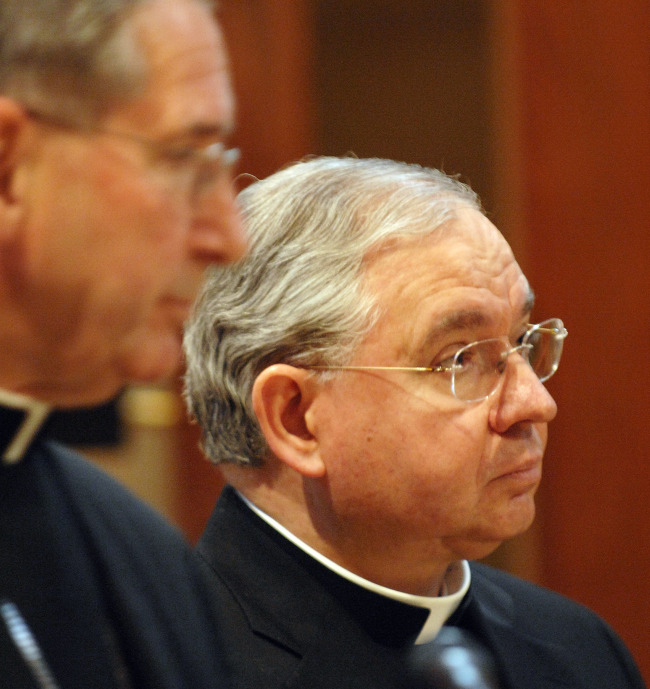 TRANSITION BEGINS. Cardinal Roger Mahony of Los Angeles (l) and Archbishop José Gomez of San Antonio attend a press conference inside the Cathedral of Our Lady of the Angels in Los Angeles April 6. Pope Benedict XVI has chosen Cardinal Mahony's successor by appointing Archbishop Gomez as the Los Angeles coadjutor.