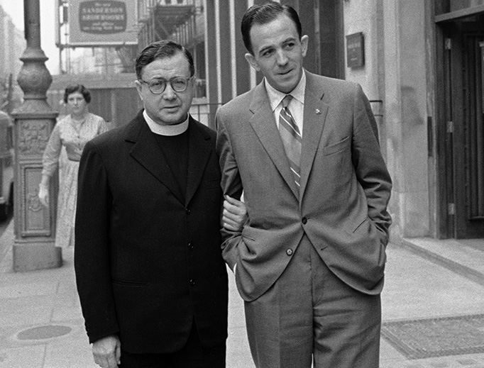 ABOVE: St. Josemaría Escrivá on an unidentified London street, Sept. 6, 1958. BELOW: (1) Bl. Álvaro del Portillo and St. Josemaría outside St. Paul's Cathedral in London, Aug. 15, 1958. (2) Bl. Álvaro del Portillo and St. Josemaría Escrivá praying in September 1959 at St. Dunstan's Church, Canterbury. Before them is a tombstone, underneath which is the head of St. Thomas More preserved in a cask. (3) Bl. Álvaro del Portillo and St. Josemaría outside St. Dunstan's, Canterbury, Aug. 26, 1958. (There were two trips there.)