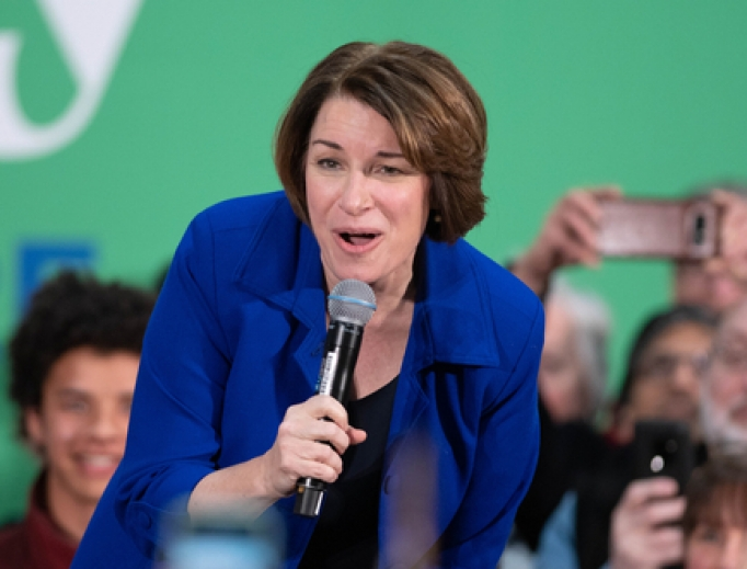 Senator Amy Klobuchar speaking in Nashua, New Hampshire on February 9, 2020.