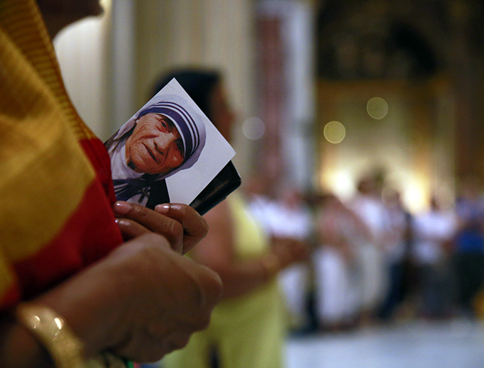 Mass and veneration of the relics of Blessed Mother Teresa of Calcutta in the Basilica of Saint Andrea della Valle on Sept. 3, 2016.