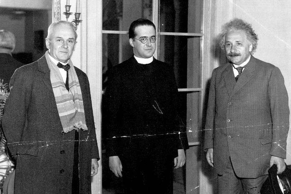 Scientists Robert Millikan, Father Georges Lemaître and Albert Einstein meet at the California Institute of Technology in January 1933.