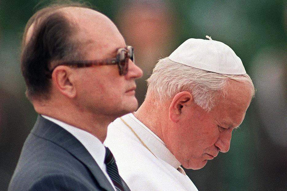 Pope St. John Paul II meets the Polish Communist premier, General Wojciech Jaruzelski, on June 14, 1987, at Warsaw's Okecie Airport.