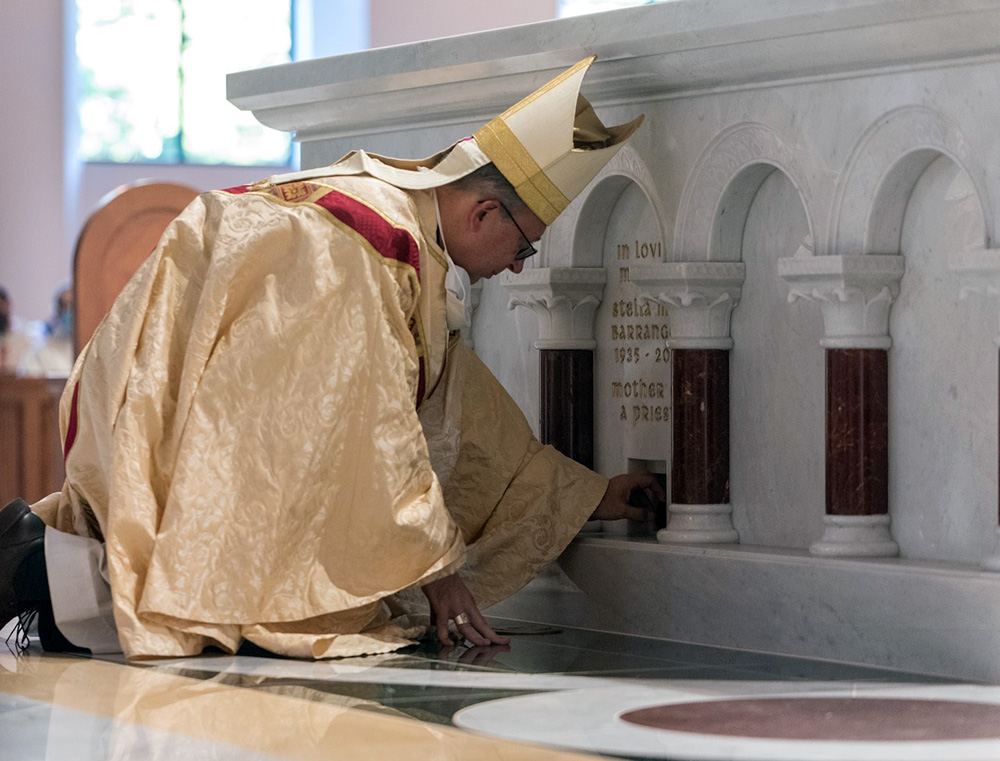 Bishop Knestout Anoints the Altar