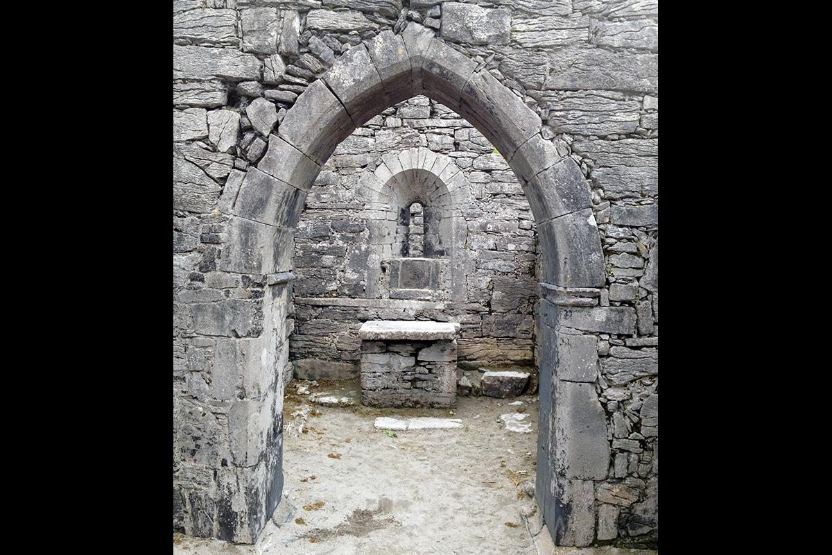 The Altar at Teampall Chaomháin