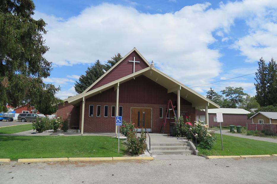 Exterior shot of Sacred Heart Catholic Church in Brewster, Wa.