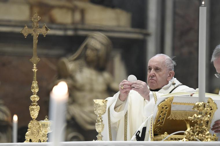 Pope Francis celebrates Mass on the Solemnity of the Epiphany of the Lord in St. Peter's Basilica Jan. 6, 2021.