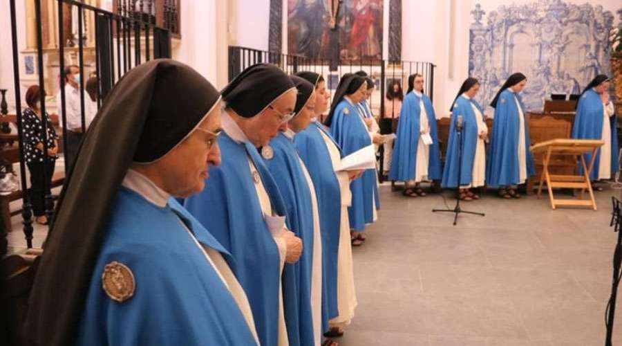 Conceptionist Nuns from the Immaculate Conception Monastery of Campo Maior.